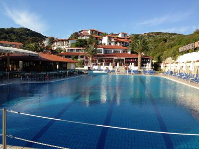 Почивка в Aristoteles Holiday Resort