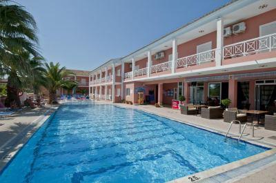 Почивка в Angelina hotel & apartments