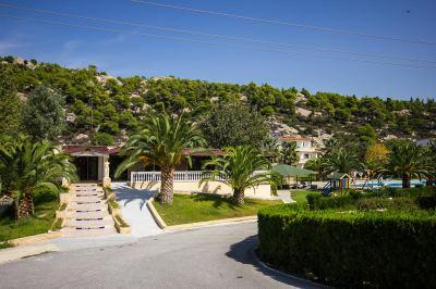 Почивка в Koviou Holiday Village