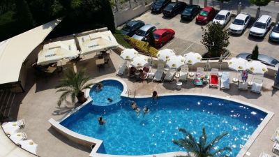 Почивка в Апарт-хотел Роял Коув