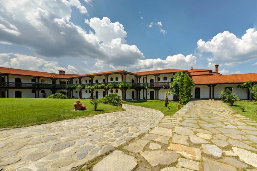 Тракийска резиденция Старосел (комплекс Старосел)